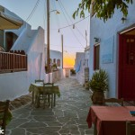 Cute spots for dinner can be found everywhere in the Chora